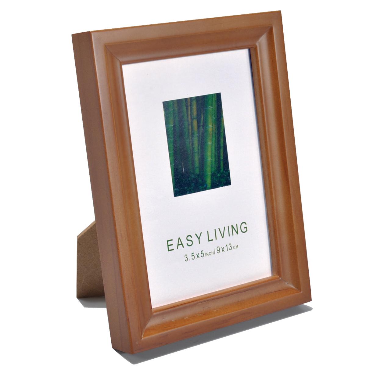 写真壁に12寸のレトロ写真とフォトフレームを9寸で焼き付けます。