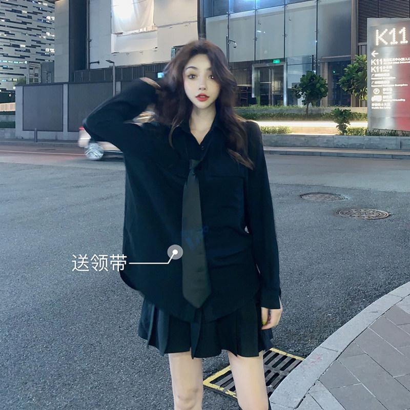 秋季2019新款设计感小众宽松洋气长袖衬衫女送黑领带暗黑系百褶裙