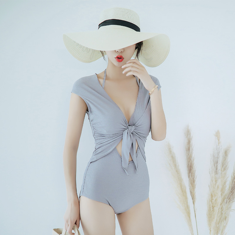 Huisiqis 2019 new swimsuit is sexy, slim and slim, with small chest and steel bracket gathering one-piece triangle hot spring swimsuit