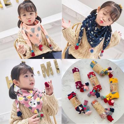 Korean childrens scarf autumn and winter cartoon boys and girls 100 W with fashion Bib baby triangle scarf baby saliva