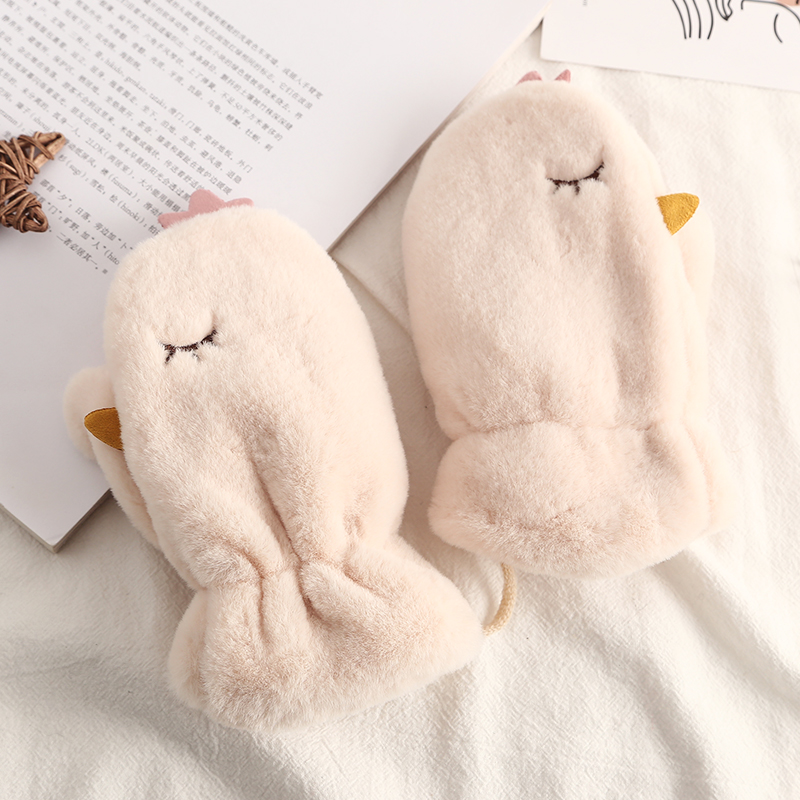 Childrens gloves warm and plush in winter students neck bag refers to childrens outdoor boys and girls gloves