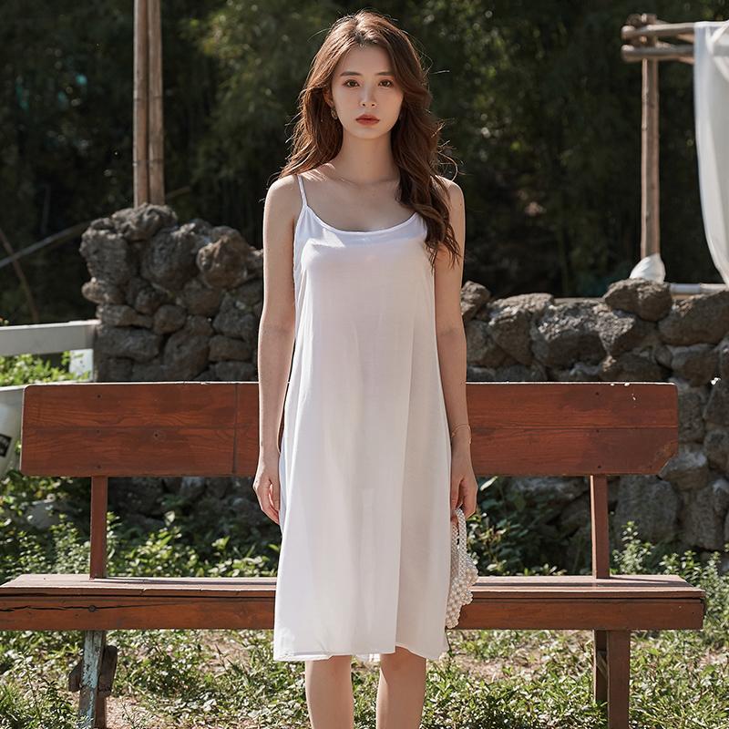 了序20新款夏女白色吊带连衣裙休闲修身百搭舒适通勤显瘦裙