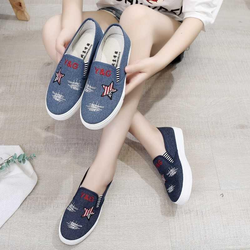 Old Beijing cloth shoes, womens shoes, denim canvas shoes, summer and autumn pregnant womens leisure shoes, flat bottomed lazy peoples shoes.