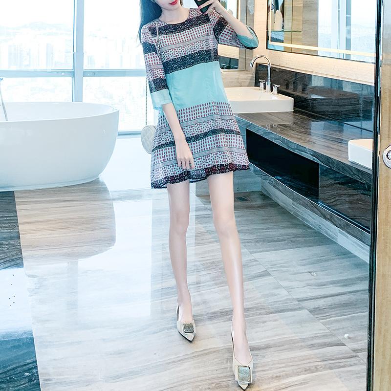 秋装五分袖连衣裙2020新款早秋季显瘦遮肉减龄短款裙子小个子女年