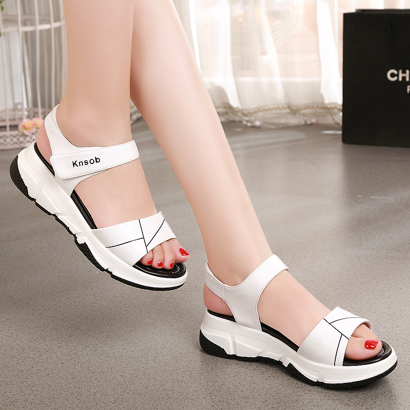 Summer 2020 new foot Yierkang leather sandals female students flat sandals fashion fairy style lady sandals