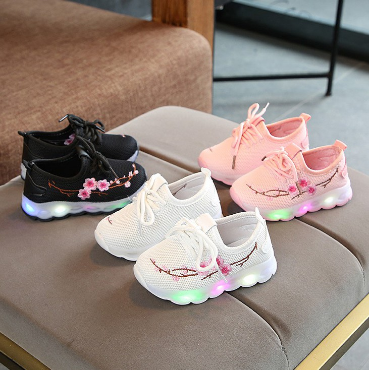 Girls shoes light soft sole with light flash baby light shoes mesh top breathable girls childrens sports shoes with light