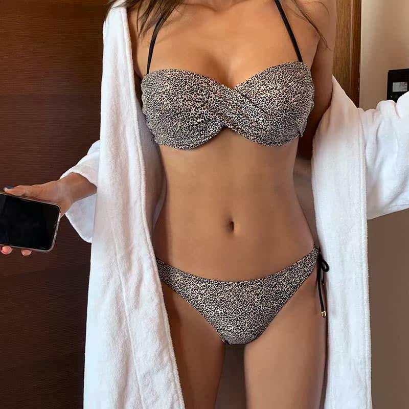 游泳衣女韩版显瘦性感ins高腰钢托聚拢时尚印花分体三点式比基尼