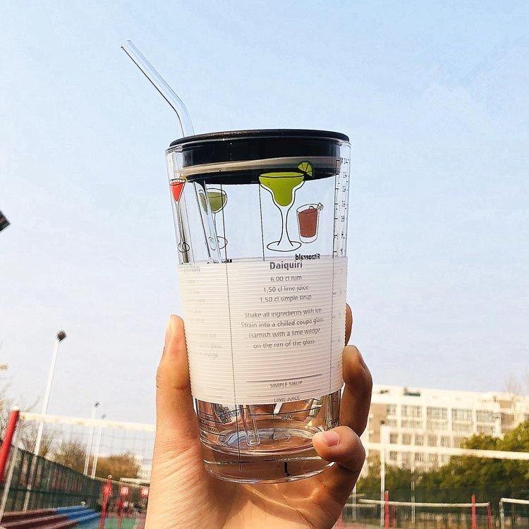 子供用の朝食カップはガラス目盛りのコップと牛乳カップを持っています。電子レンジで哺乳瓶のコップを温めることができます。