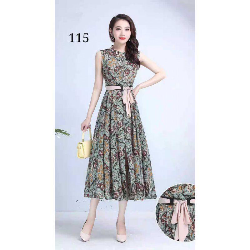 楊燕のファッションの立襟の袖がない気質のロングスカートは体にe高級感を得ます。