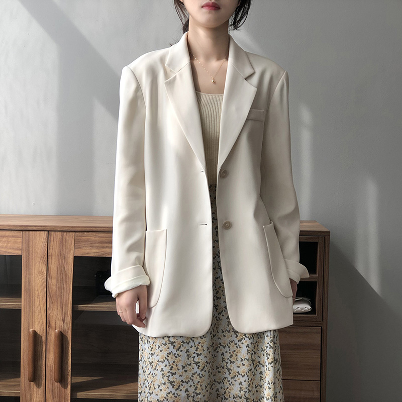 2021 spring new Korean temperament suit coat womens thin loose slim casual two button suit top