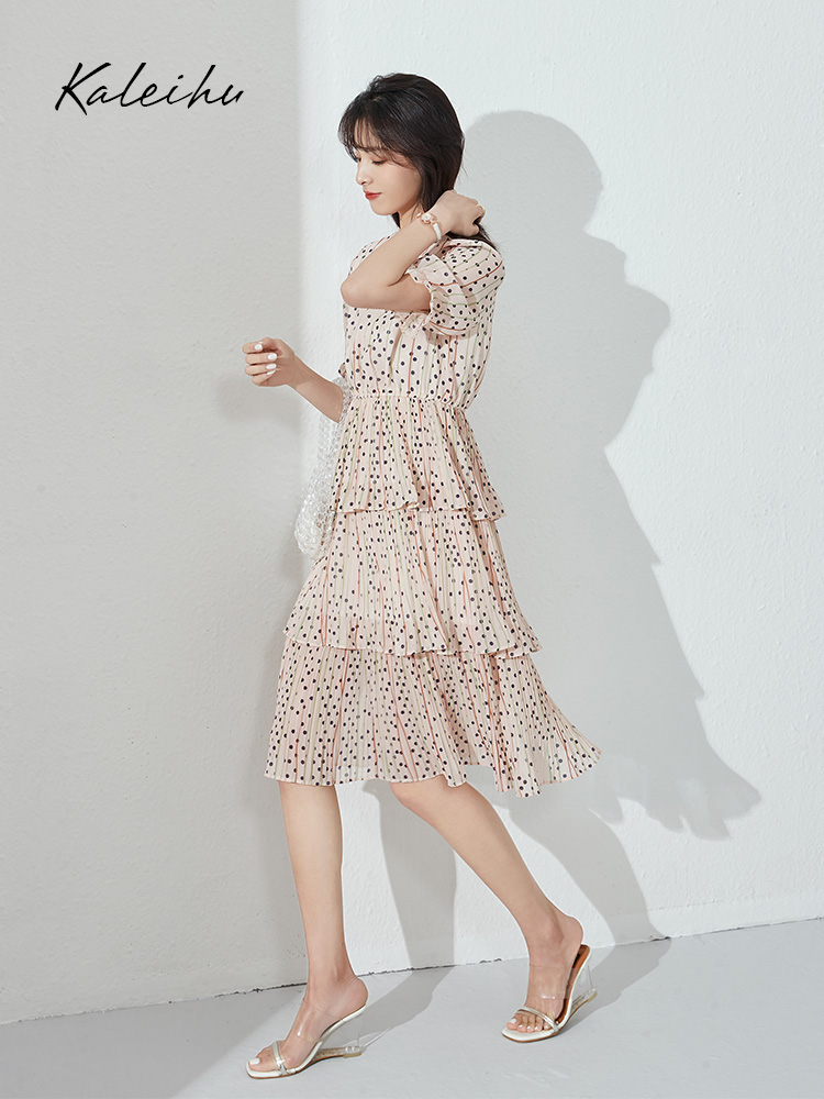 Polka Point cake dress for women summer 2020 new style waistline shows thin temperament fairy pleated skirt length