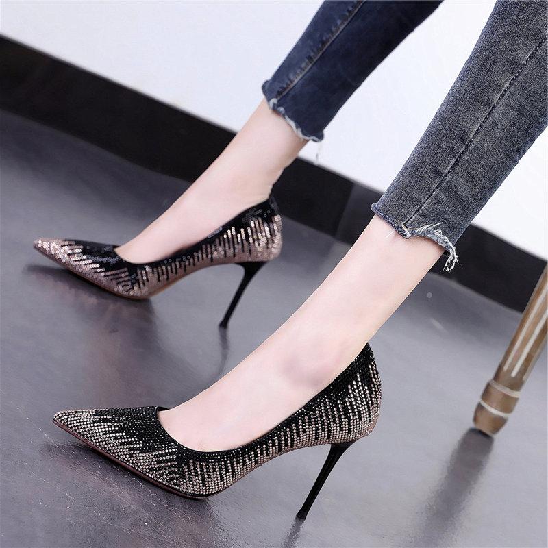 银色高跟鞋细跟性感超闪亮片婚宴鞋2020秋季新款搭裙子的时尚单鞋