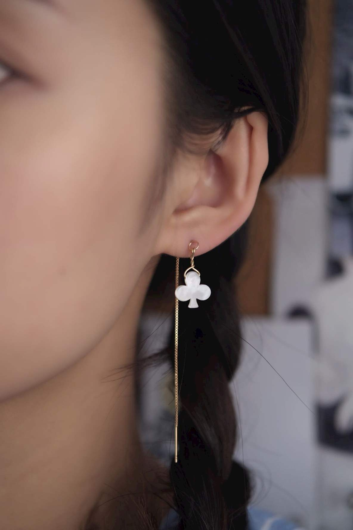 High end handmade in the end of mountain / lovely flowers and plants white butterfly shell copper plated gold ear line daily Earrings minimalist style earrings