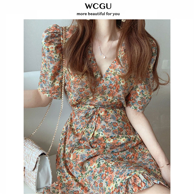 Floral dress female 2021 new summer formar chiffon retro waist slimming tone sleeve short skirt