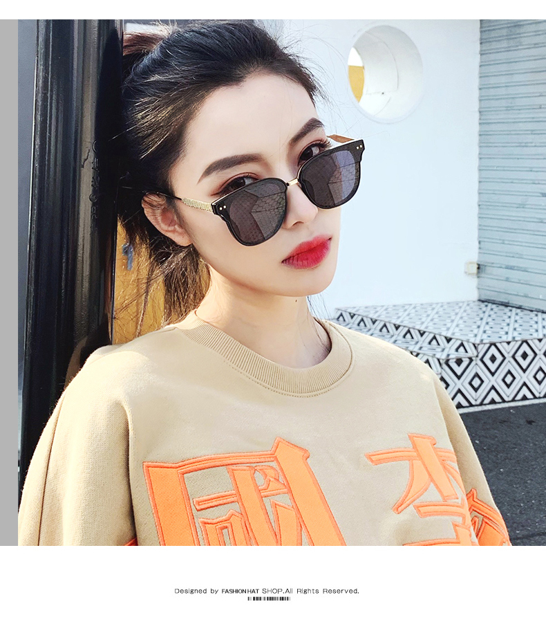 Net red retro Sunglasses big frame driving street shooting Hong Kong Style classic thin dark green Sunglasses square ladys glasses