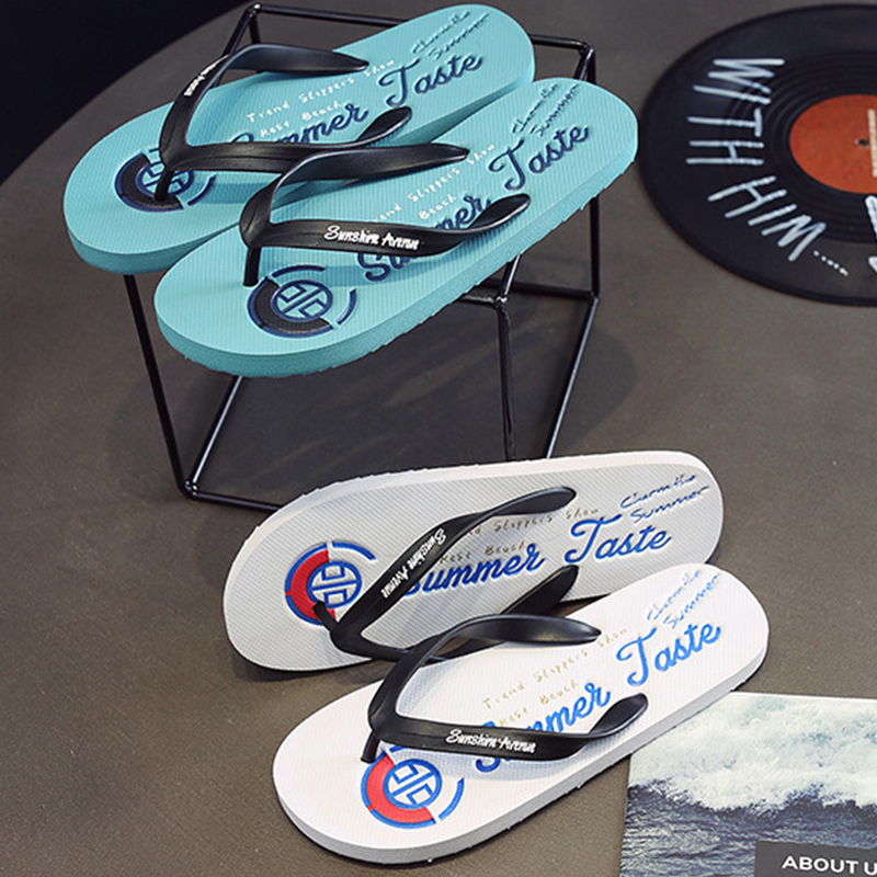 New mens beach sandals in 2020 summer