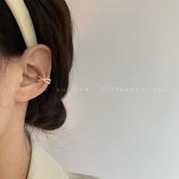 查看法式精致小巧交叉耳夹小众设计高级感2021年新款潮耳骨夹无耳洞女价格