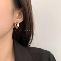 复古哑光金色C型耳环女2021年新款潮高级感耳圈韩国气质网红耳饰