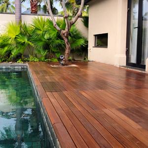 户外庭院阳台地板贴自铺实木拼接地板长板硬木重蚁木依贝防腐木板