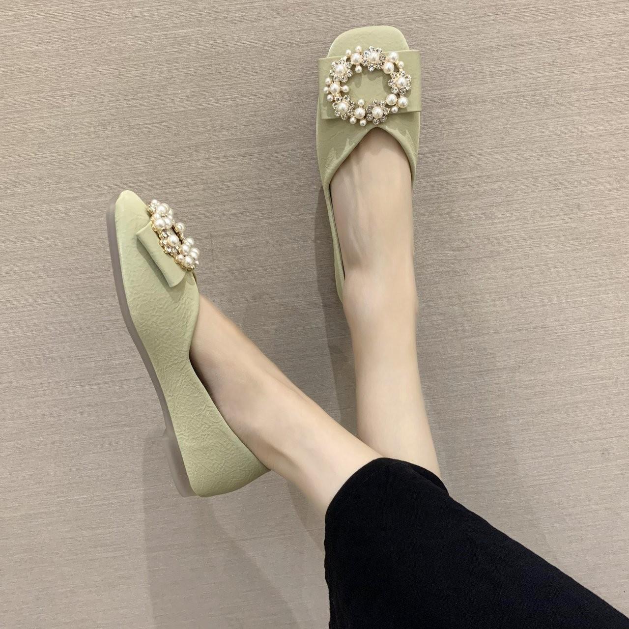 金喜轻奢女鞋百搭浅口豆豆鞋