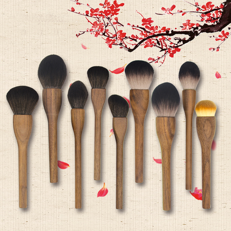 Cangzhou walnut makeup brush, solid wood, antique, large super soft soft powder, brush blush, brush high gloss.