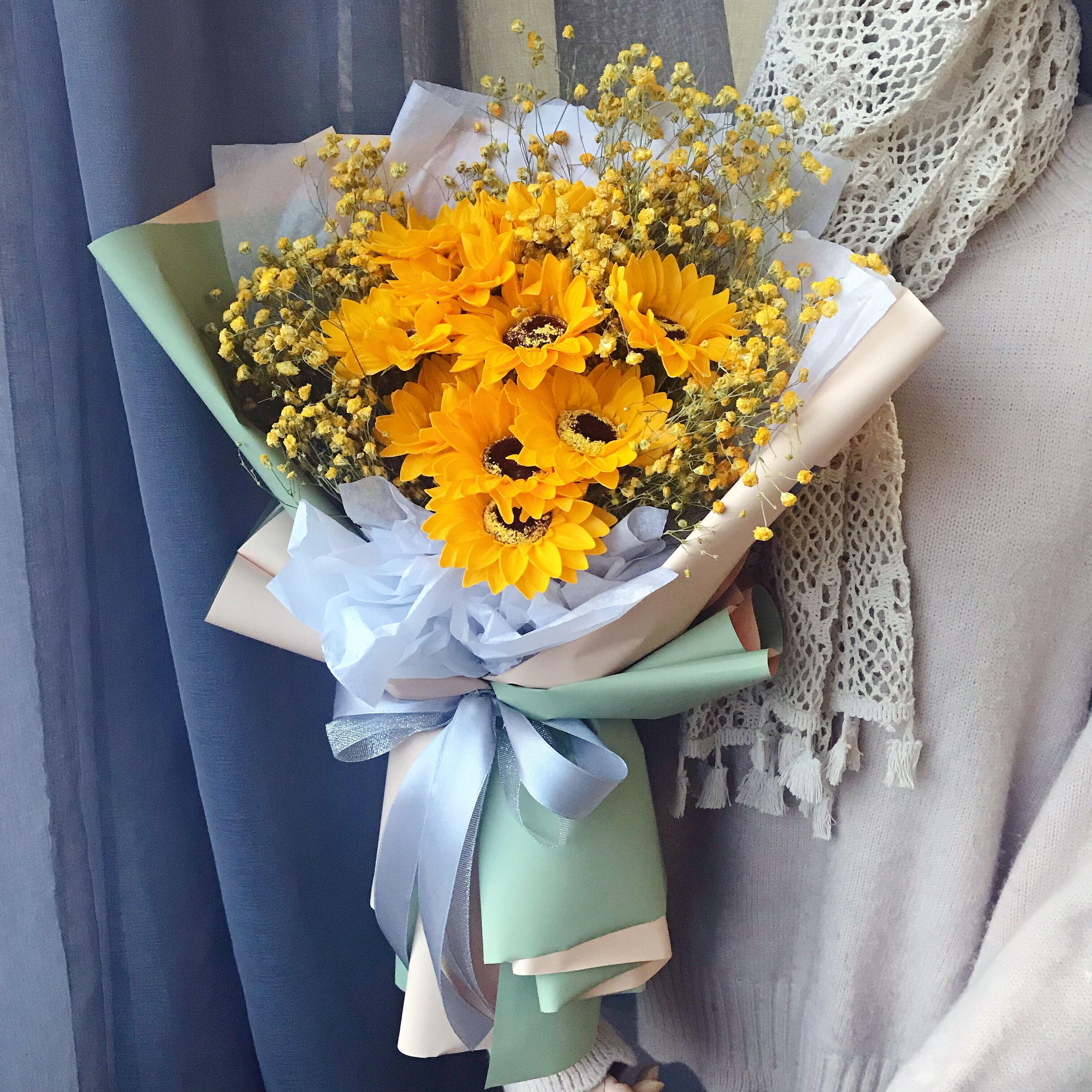 。夕情人礼物送花女生生日教师节大花束满天星真花向日葵皂花玫瑰