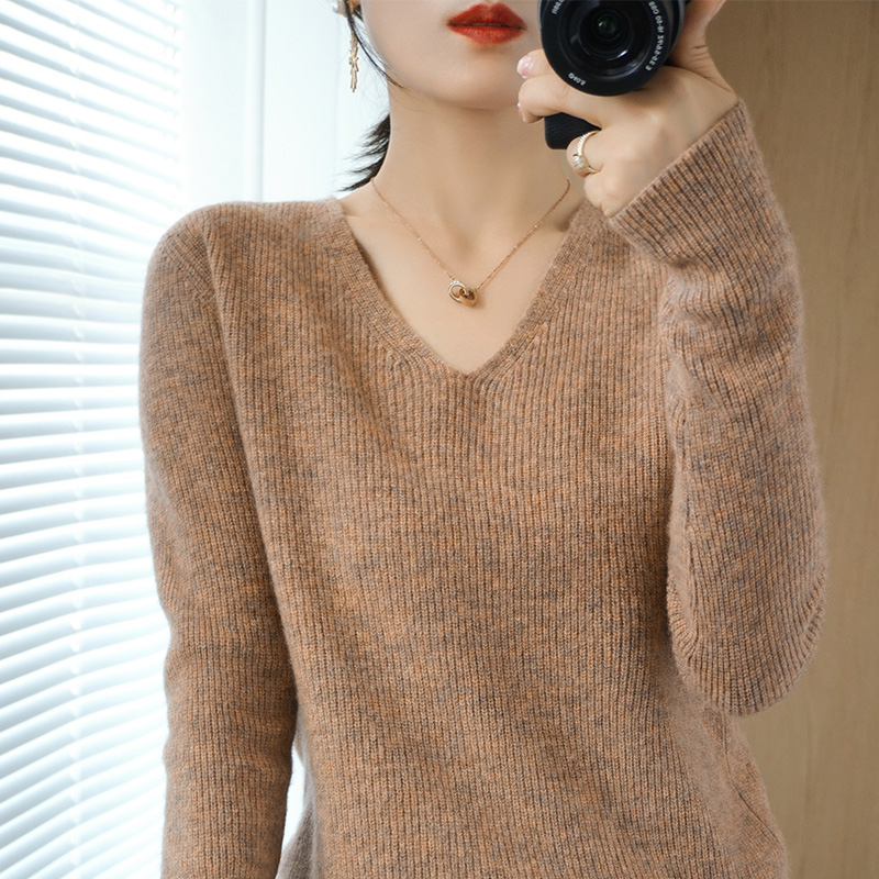 Autumn and winter new pure wool sweater womens V-neck Pullover Sweater long sleeve solid color Korean vertical bar cashmere knitting bottom sweater