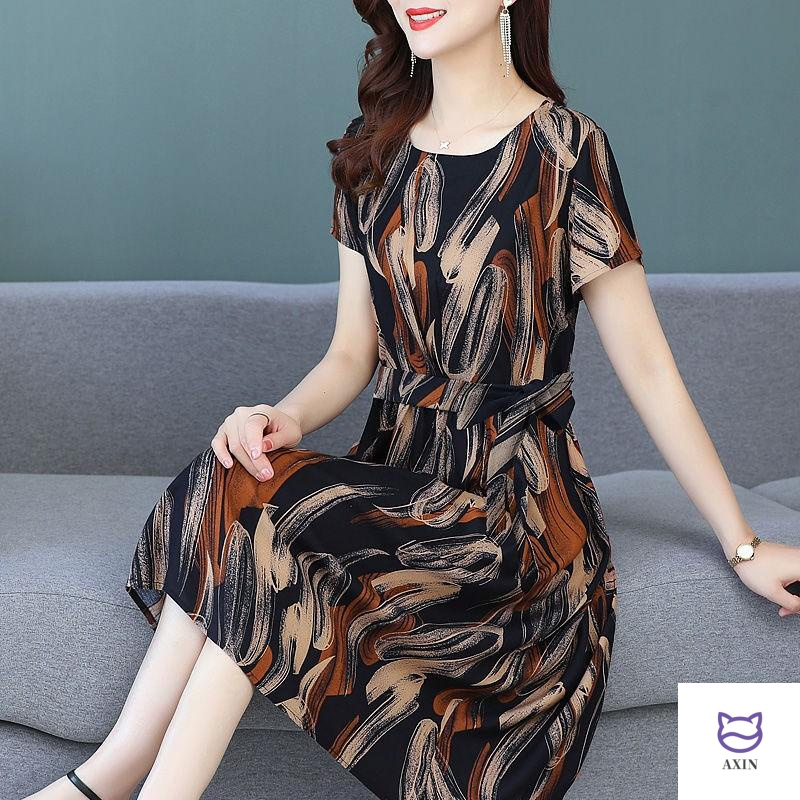 Middle aged and elderly summer dress women 2020 new 50 year old fashionable and foreign style printing mothers knee length large skirt