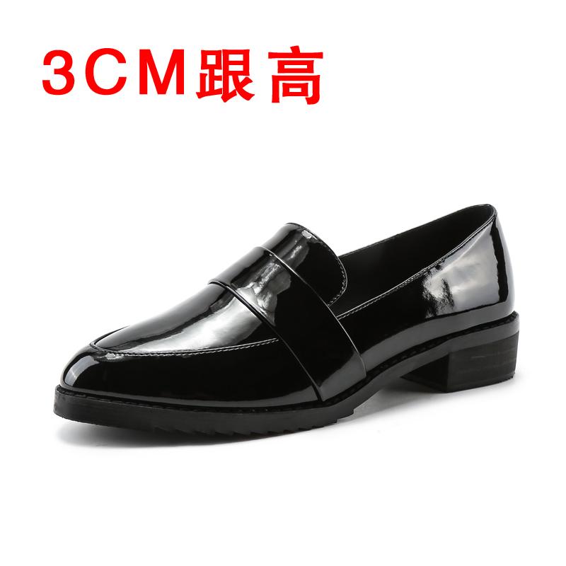 英工尖女靴风头小鞋2020春夏新款漆皮粗靴黒伦は靴の女中として靴を作ります。