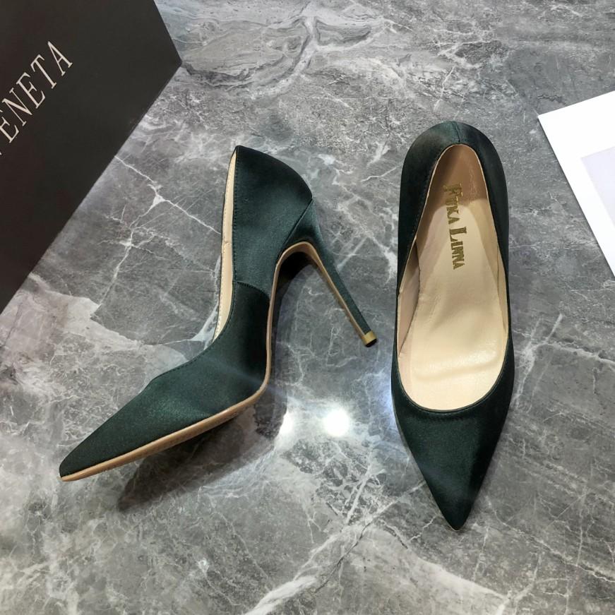 . Autumn 2020 new versatile green silk satin pointy style black professional high heels womens small heel