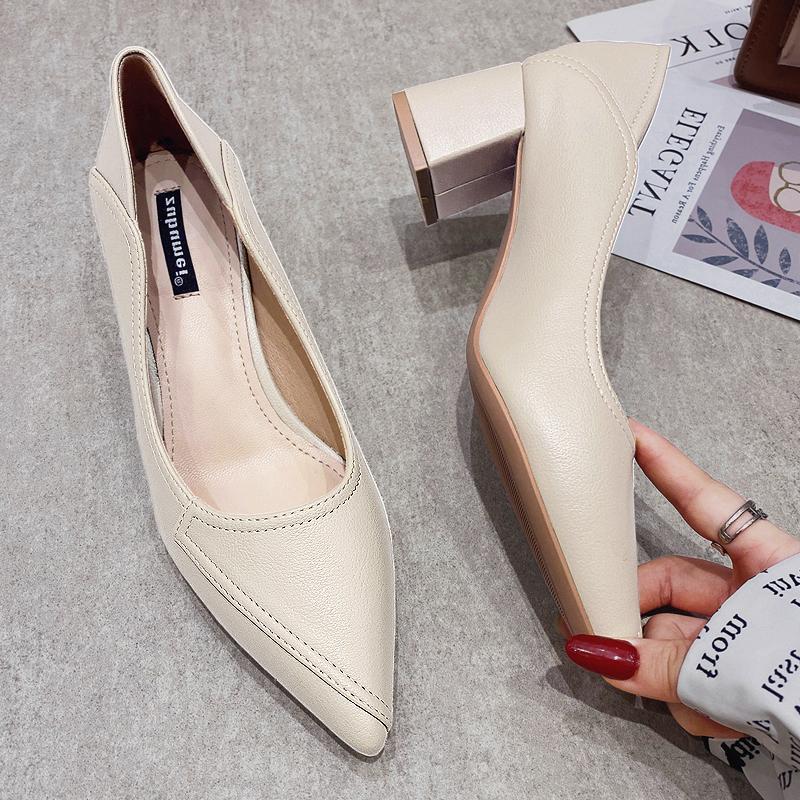 女性の靴の口の浅い駅は百がヨーロッパの柔らかいかかとの中でと先端の底の仕事の金の単靴のハイヒールの夏の新しい女性の靴に乗ります2021粗さを行います。