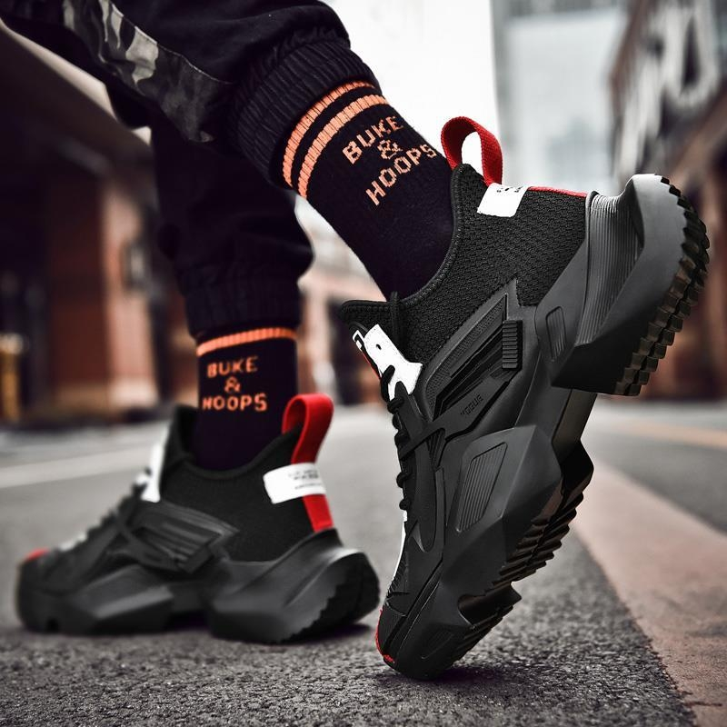 Dark Knight sports shoes male black father shoes dark god of war mens shoes iron riding net red shoes man