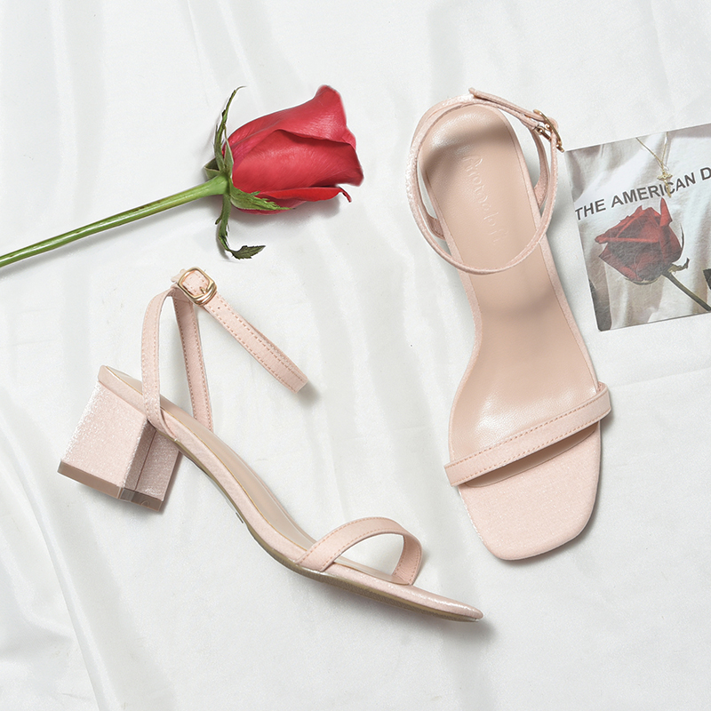 Spring and summer 2020 new versatile thick heel medium heel with open toe late fairy style high heel sandals women ins