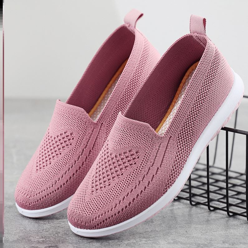 Mesh shoes cloth shoes womens summer breathable mesh top one foot flat bottom light shoes hollowed out soft soled mothers shoes embroidered shoes