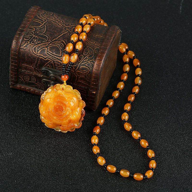 2 old amber substitute oil men and women chicken necklaces yellow clothes jewelry sweater pendant honey wax hanging accessories long chain