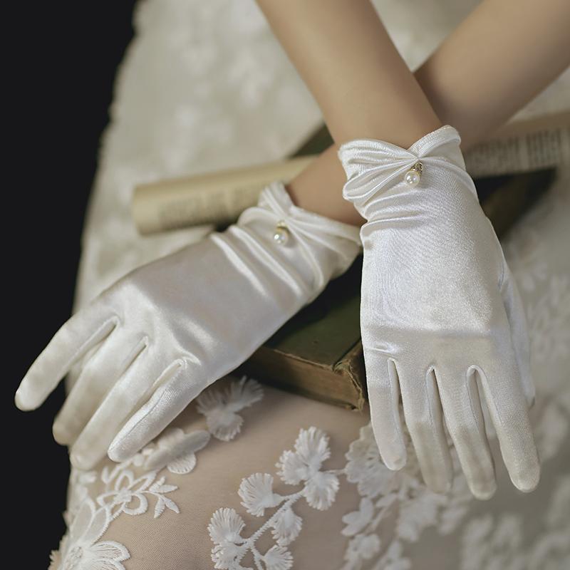 新娘手套蕾丝白红色结婚秀禾服手套婚礼白纱婚纱缎面短款优雅复古