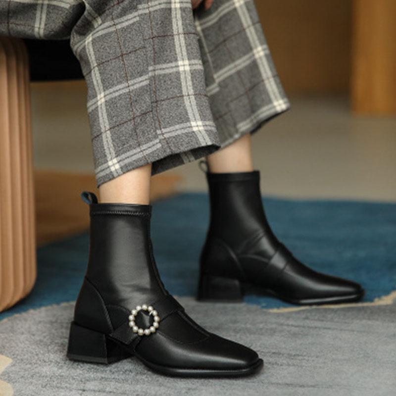 Mini fragrant pearl Martin boots 2020 new Korean style fashionable white leather square head flat bottom elastic short boots