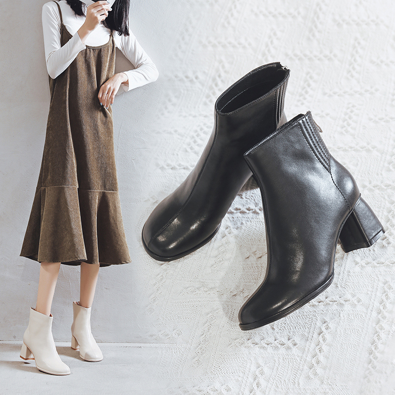2020 winter new white Chelsea short boots womens spring and autumn single boots thick heels high heels Martin boots childrens English style