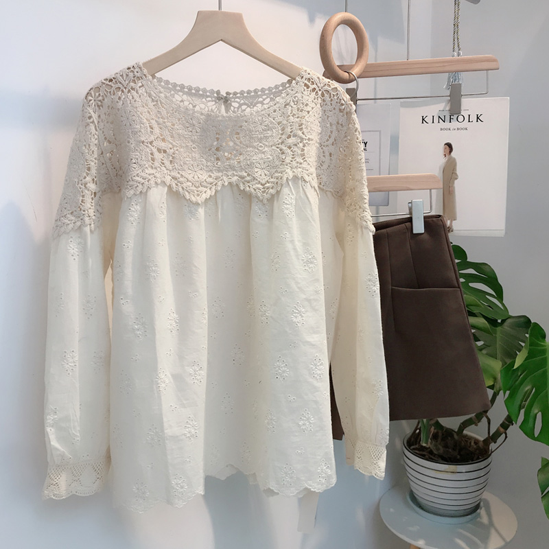 Womens 2020 new fashion long sleeve top womens shirt womens Korean loose foreign style clothes embroidery hollow out shirt autumn