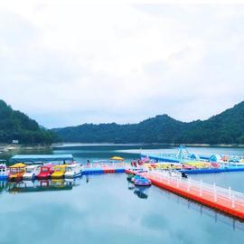 浮动闯关游艇浮筒码头水上浮桥塑料浮桶平台水上平台浮台网箱码头图片