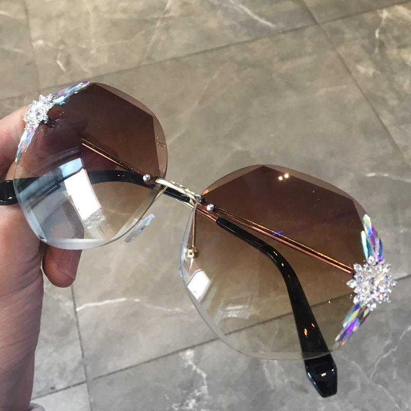 Sunglasses with diamond, gradient color belt, sunglasses with diamond, womens colored glasses, big face, fat face, small fragrance, fashion