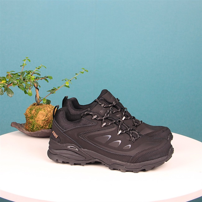 Leather high and low upper waterproof outdoor shoes for men and women