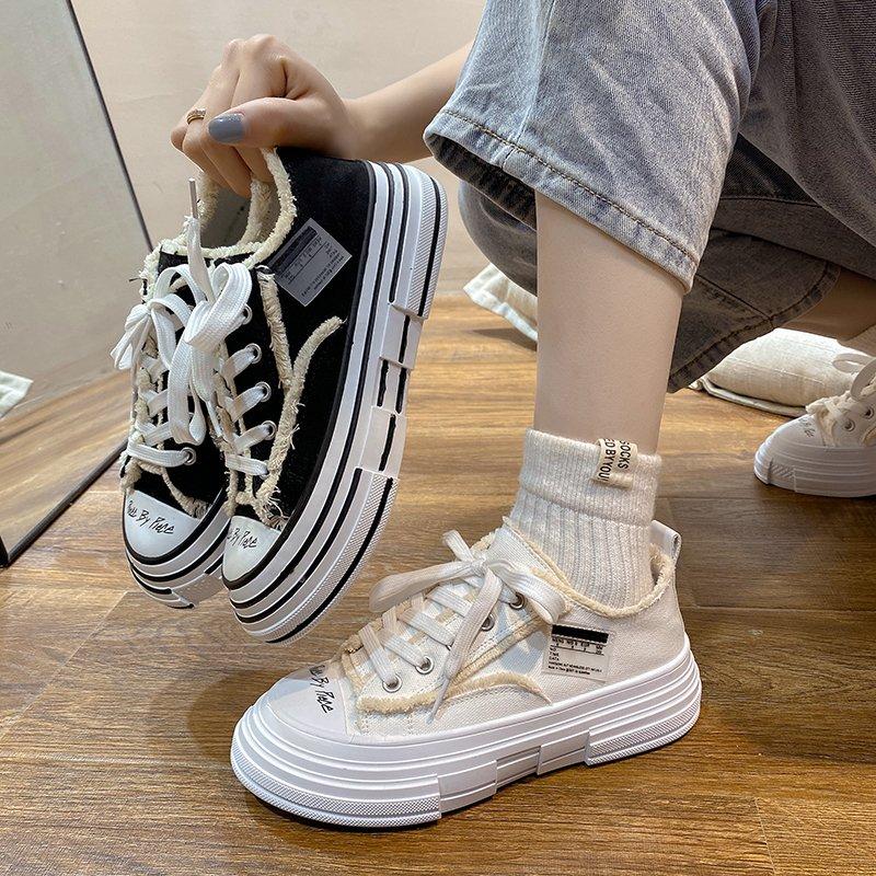 小白鞋女2021夏季新款时尚帆布平底运动单鞋女厚底增高ins潮板鞋