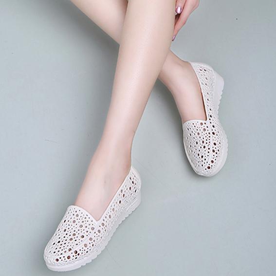 夏季坡跟防滑护士鞋平底白色凉鞋女夏塑料镂空妈妈鞋工作鞋洞洞鞋