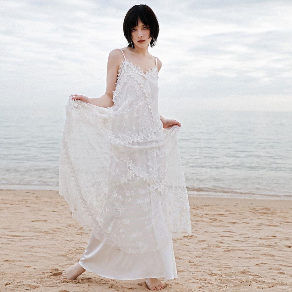 Retro lace V-neck dress design temperament one-piece dress womens dress light ripe white long skirt suspender skirt summer