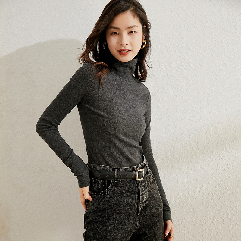 High collar base shirt with long sleeves for women in autumn and winter and simple slim and fashionable T-shirt with pile neck