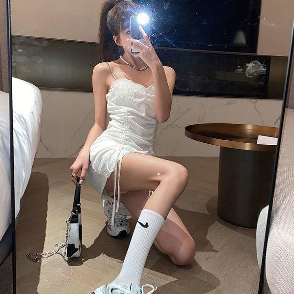 タオバオ仕入れ代行-ibuy99|紧身裙|暗非黑抹胸吊带连衣裙女2020新款紧身包臀裙抽绳褶皱性感心机裙子