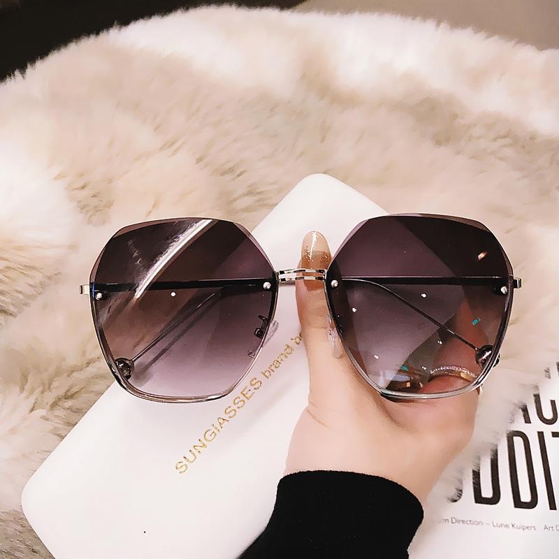 タオバオ仕入れ代行-ibuy99|太阳镜|2021年新款无框切边太阳镜潮气质墨镜女大脸显瘦时尚眼镜防紫外线