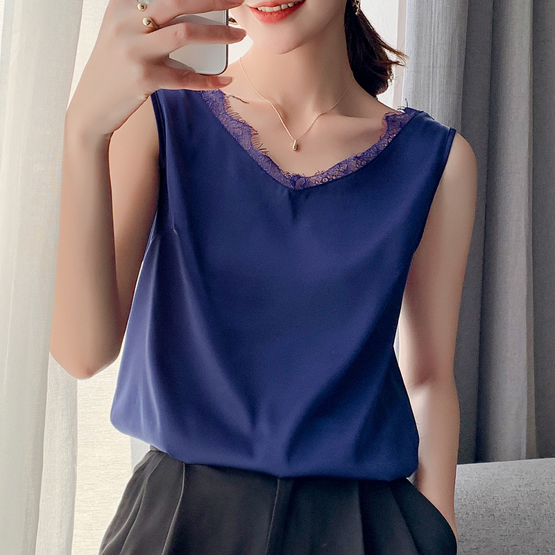 2021 spring and summer new Satin V-neck lace suspender vest womens inner loose outer suit bottomed top