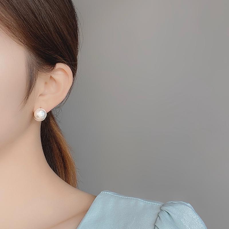 韩国气质百搭高级感小众设计耳钉网红新款潮冷淡风珍珠耳环耳饰女